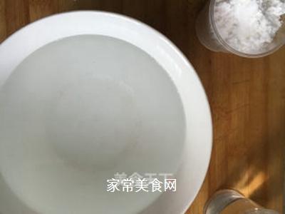 凉拌凉粉的做法步骤:1