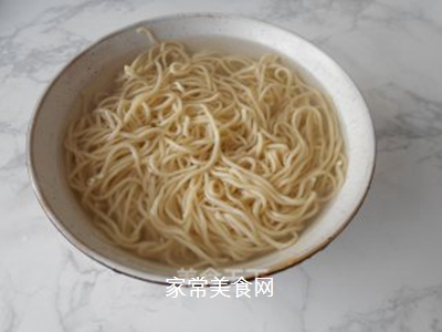 榨菜肉丝炒面的做法步骤:5