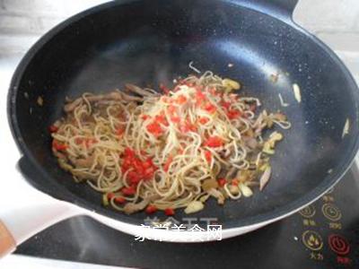 榨菜肉丝炒面的做法步骤:17