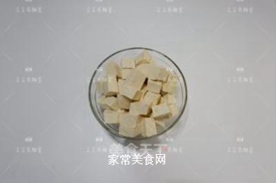 榨菜肉末烩豆腐的做法步骤:1
