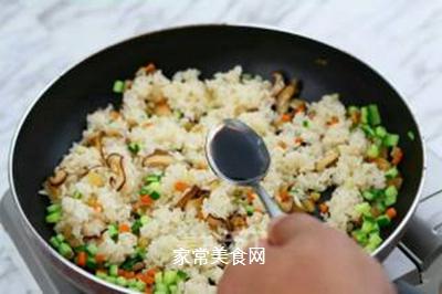 简易家常炒饭的做法步骤:7