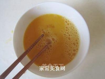 鸡蛋榨菜炒饭的做法步骤:2