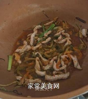 榨菜肉丝面的做法步骤:4