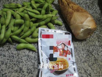 榨菜冬笋炒毛豆的做法步骤:1