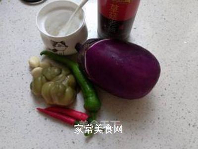 茄条炒榨菜的做法步骤:2