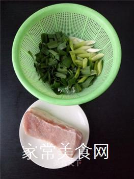 如何炒出好吃的四川回锅肉?的做法步骤:1