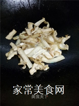 如何炒出好吃的四川回锅肉?的做法步骤:7