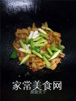 如何炒出好吃的四川回锅肉?的做法步骤:10