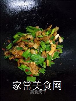 如何炒出好吃的四川回锅肉?的做法步骤:11