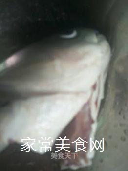 泡椒鱼头的做法步骤:1