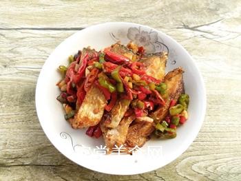 双椒豆瓣边鱼块的做法