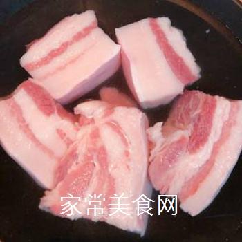 四川席桌必备――坨子肉的做法步骤:1