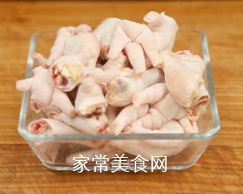 泡椒凤爪的家常做法的做法步骤:3