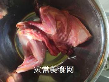 麻辣兔(自制口味)的做法步骤:1