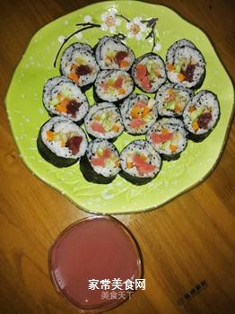 海鲜腊肠寿司的做法