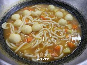 日式咖喱鱼丸乌冬面的做法步骤:8