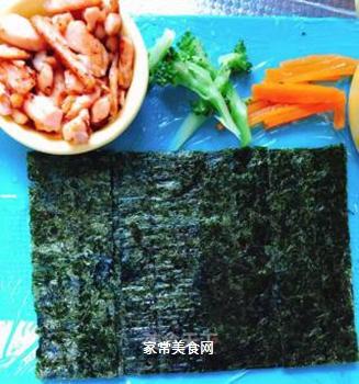 三文鱼海苔卷的做法步骤:5