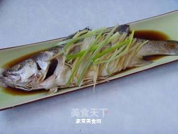 清蒸鲈鱼的做法步骤:8