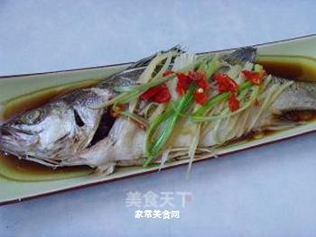 清蒸鲈鱼的做法步骤:9
