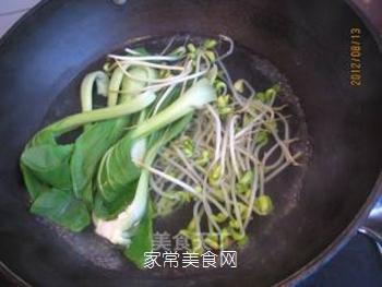 黄豆芽拌鸡丝的做法步骤:2