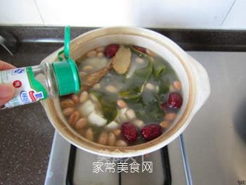 海带花生煲猪蹄的做法步骤:17