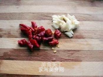 腊肠炒手撕包菜的做法步骤:3