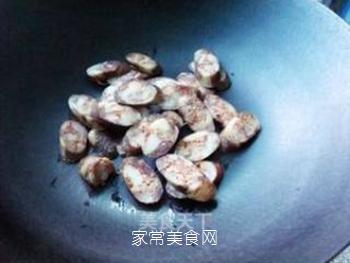 腊肠炒手撕包菜的做法步骤:4