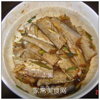 满屋飘香烤出来-----五香烤带鱼的做法步骤:6