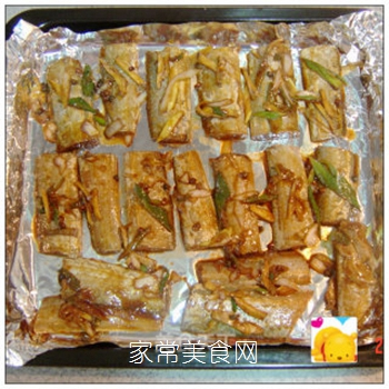 满屋飘香烤出来-----五香烤带鱼的做法步骤:8