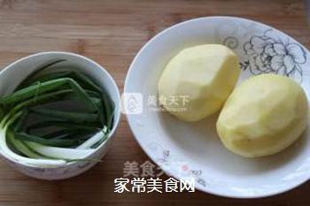 狼牙土豆――街边小食搬回家,健康又美味的做法步骤:1