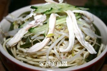 夏季四川最热卖的美食之一,家庭懒人做法――【川味鸡丝凉面】的做法步骤:11