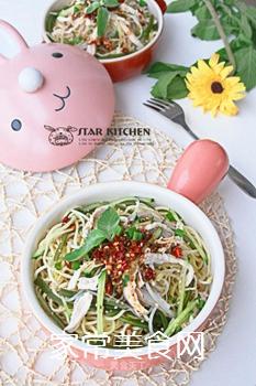 夏季四川最热卖的美食之一,家庭懒人做法――【川味鸡丝凉面】的做法