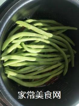 红烧排骨炖豆角的做法步骤:9