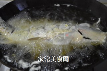 糖醋鲤鱼的做法步骤:16