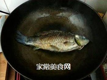 奶汤鲫鱼的做法步骤:4