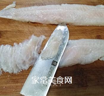 【江苏】芙蓉滑鱼片的做法步骤:2