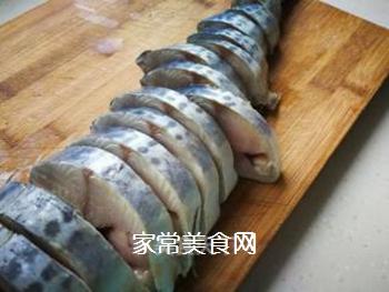 【威海】威海特色熏鲅鱼的做法步骤:1