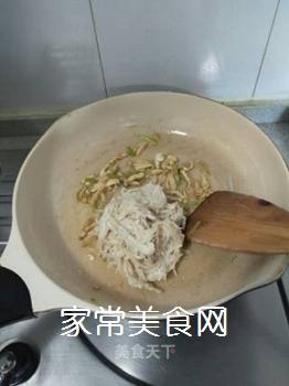 荷兰豆炒金针菇的做法步骤:11