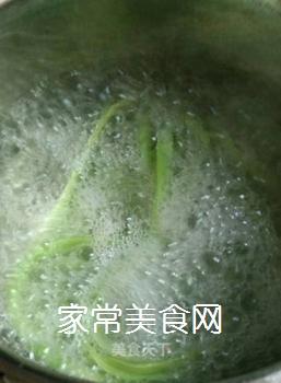蒜辣酱拌贡菜的家常做法