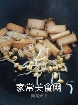 豆腐炒豆芽的做法步骤:5