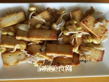 豆腐炒豆芽的做法步骤:6