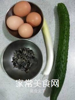 黄瓜木耳炒笨鸡蛋的家常做法