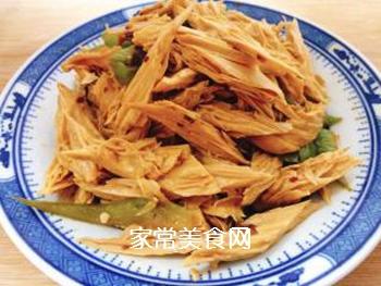 青椒炒腐竹的做法步骤:5