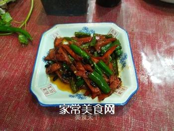 胡萝卜烩海椒的做法