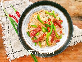 茄汁牛肉炒蛋面的做法