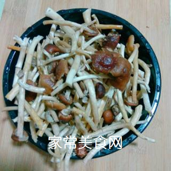 茶树菇牛肉末的做法步骤:1