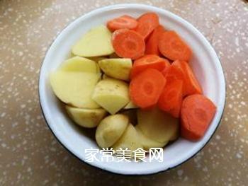 土豆炖牛肉的做法步骤:6