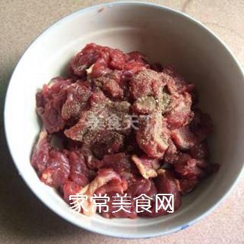 水煮牛肉的做法步骤:1