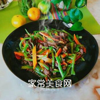 蛇瓜炒牛肉的做法步骤:1