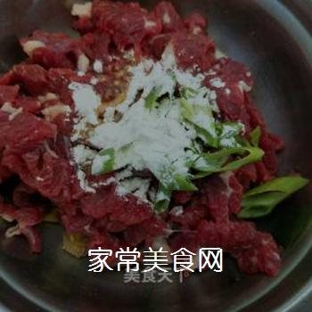 蛇瓜炒牛肉的做法步骤:4